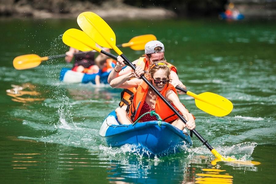Kayaking Halong bay - vietnam