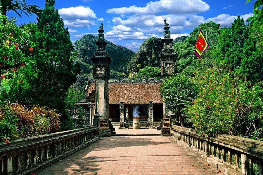 Dinh le temple