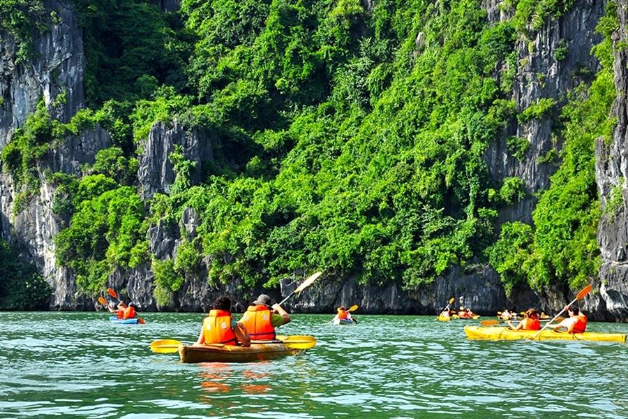 Kayaking in Halong bay - quang ninh province