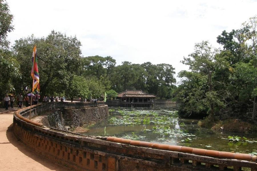 Tu Duc Tomb - Hue city tour