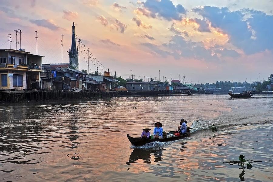 Cai Be Floating Market