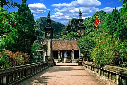 Dinh Le Temple - Ninh Binh Tour