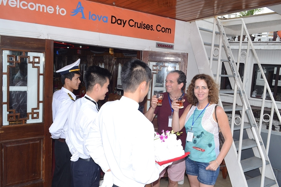 Alova Day Cruises 1 Day Tour