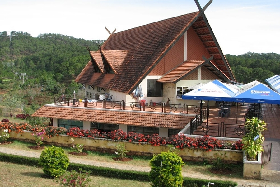 Truc Lam Cable Car Station