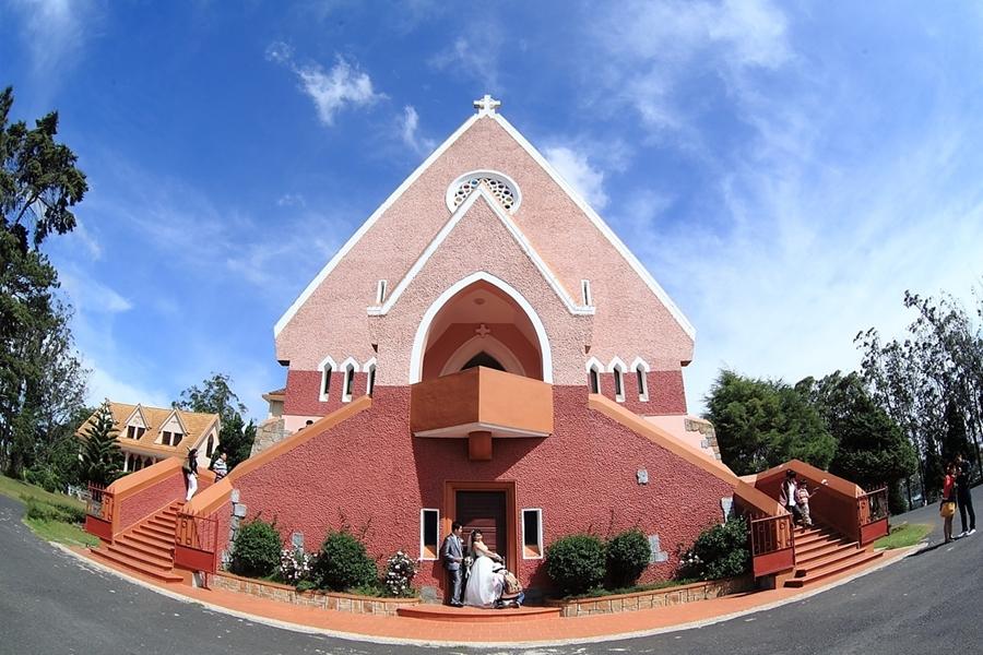 Domaine de Marie Church -  Da Lat Tour