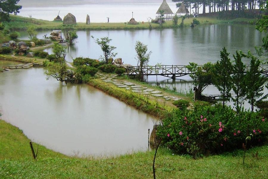 Golden Lake-  Da Lat Tour