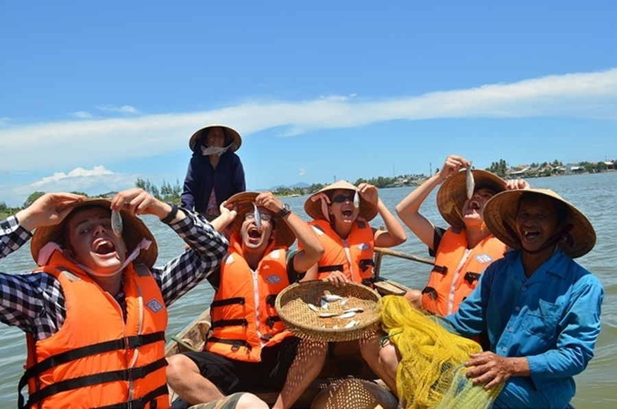 Fantastic fishing time in Hoi An