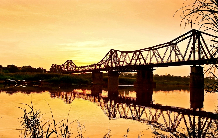 Long Bien Bridge of Hanoi