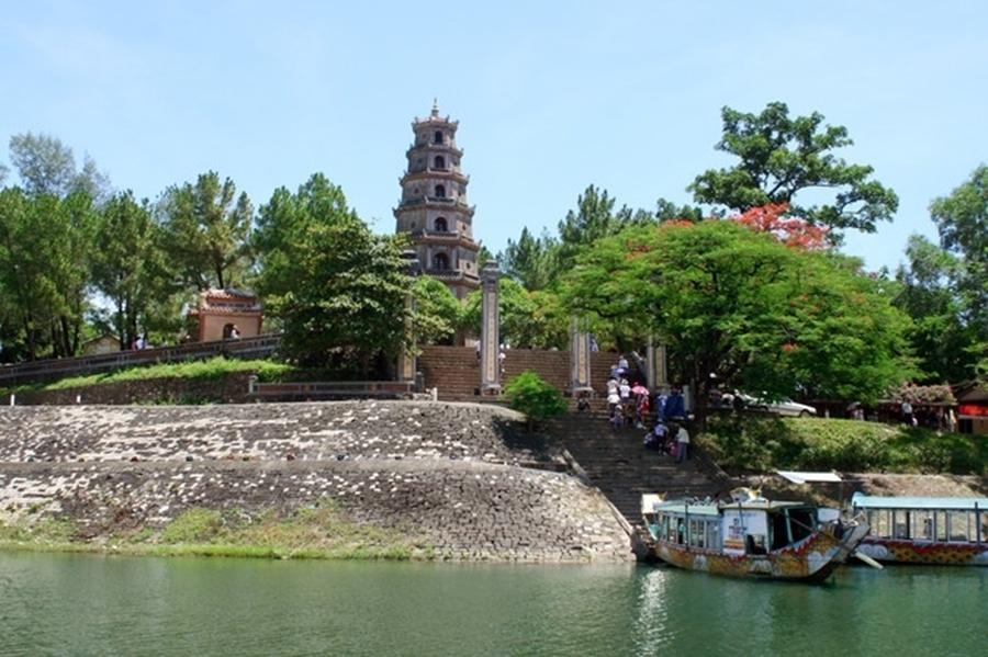 Thien Mu Pagoda - Hue City
