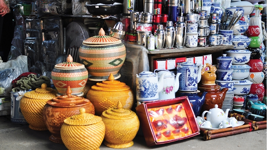 Handicraft products in Hue