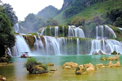 Hanoi - Ba Be National park - Cao Bang - Ban Giac Waterfall