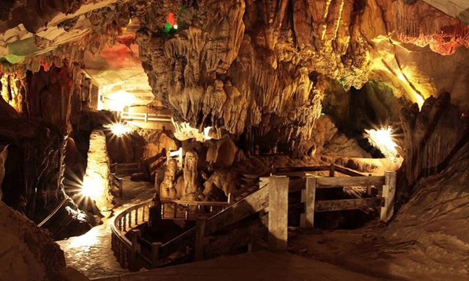 Picture of Pak Ou Caves in Luang Prabang