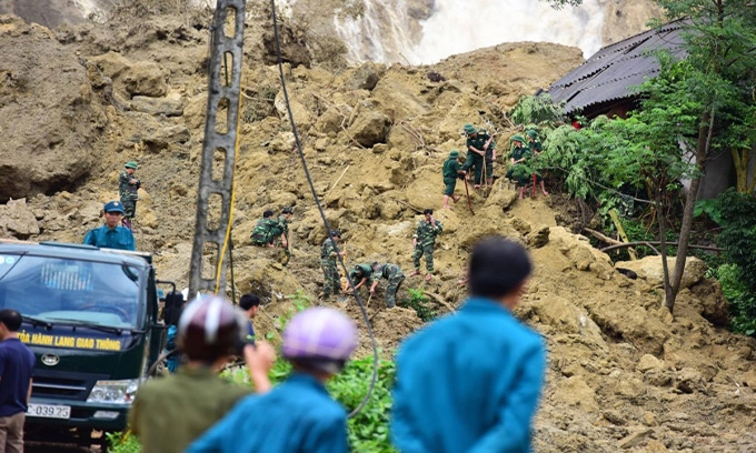 Picture of 40 dead, 22 missing as downpours, flash floods pound northern, central Vietnam
